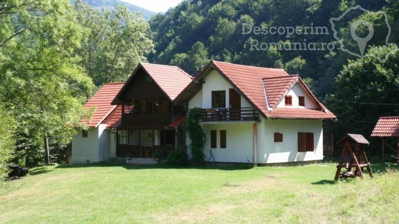 Cazare la Vila Cervus din Lotrioara - Sibiu - Marginimea Sibiului (1)