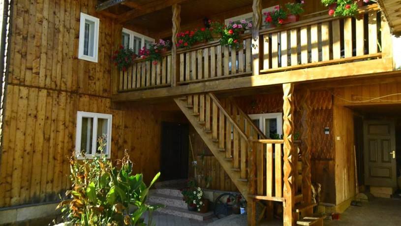 Pensiunea Agroturistica Casa Colinița din Vatra Moldoviței