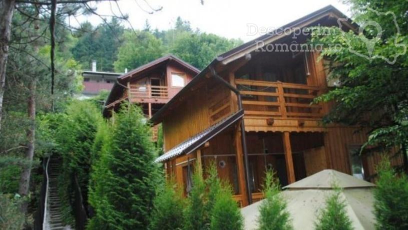 Cabana Tarnița din Lacul Tarnița