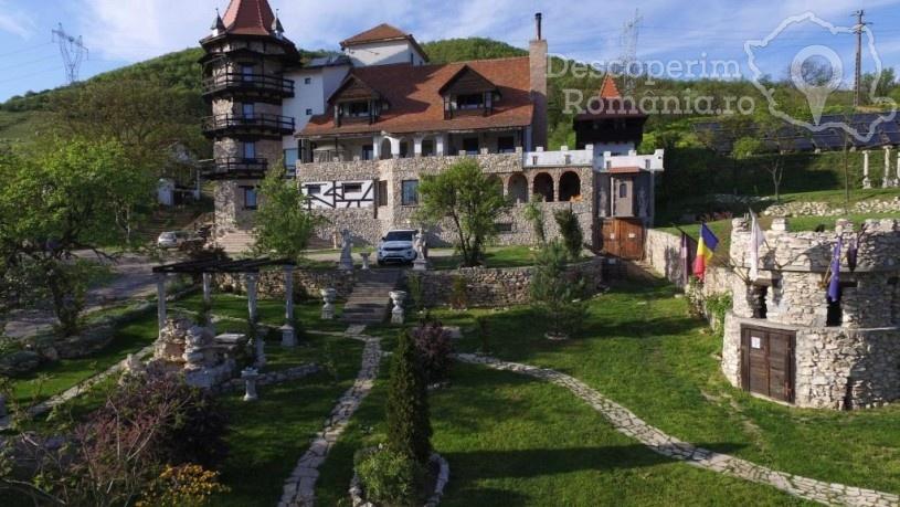 Castelul Lupilor din Chimindia