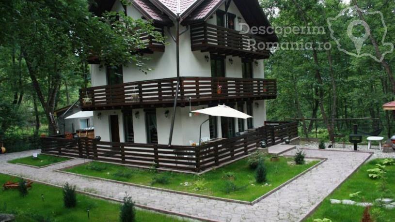 Casa de vacanţă Căsuța din Pădure din Mălaia