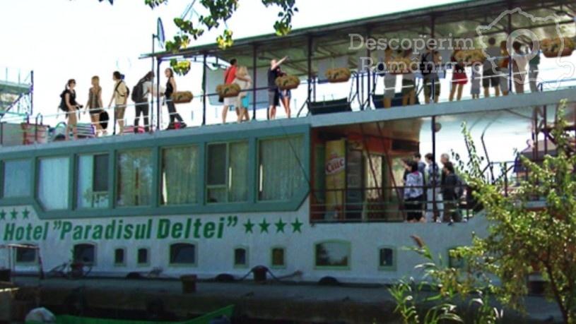 Hotelul Plutitor Paradisul Deltei din Murighiol