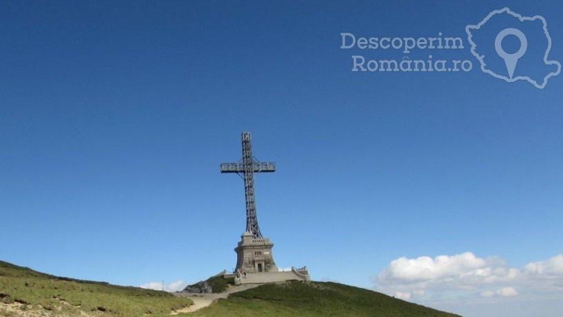 Crucea Caraiman - cel mai înalt monument amplasat pe un vârf de munte