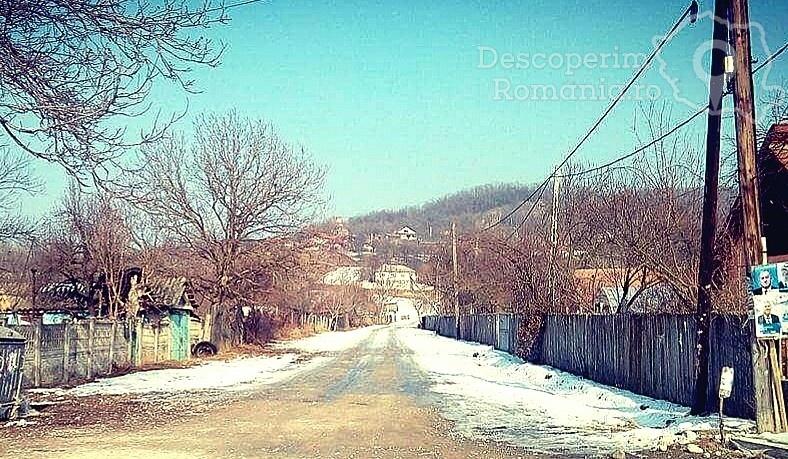 Valea Poienii - satul uitat și de sătenii