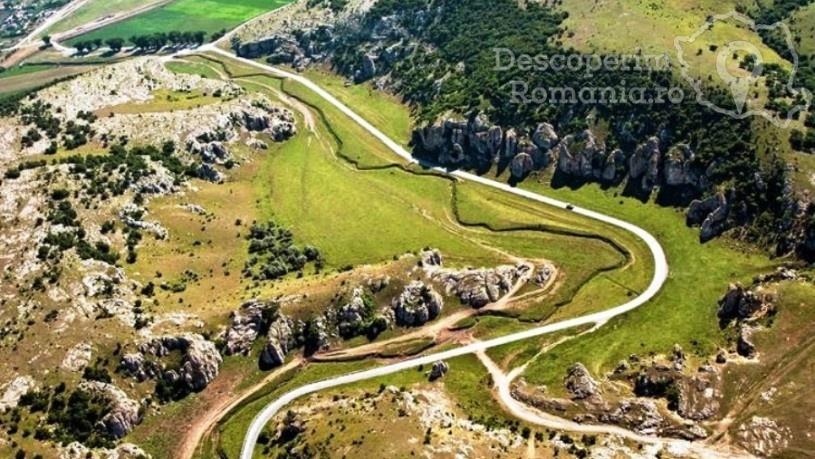 Excursie Țara Dobrogei - Delta Dunării și Murighiol, în 4 zile, cu autocarul este un circuit organizat de agenția de turism Beldi Tours.