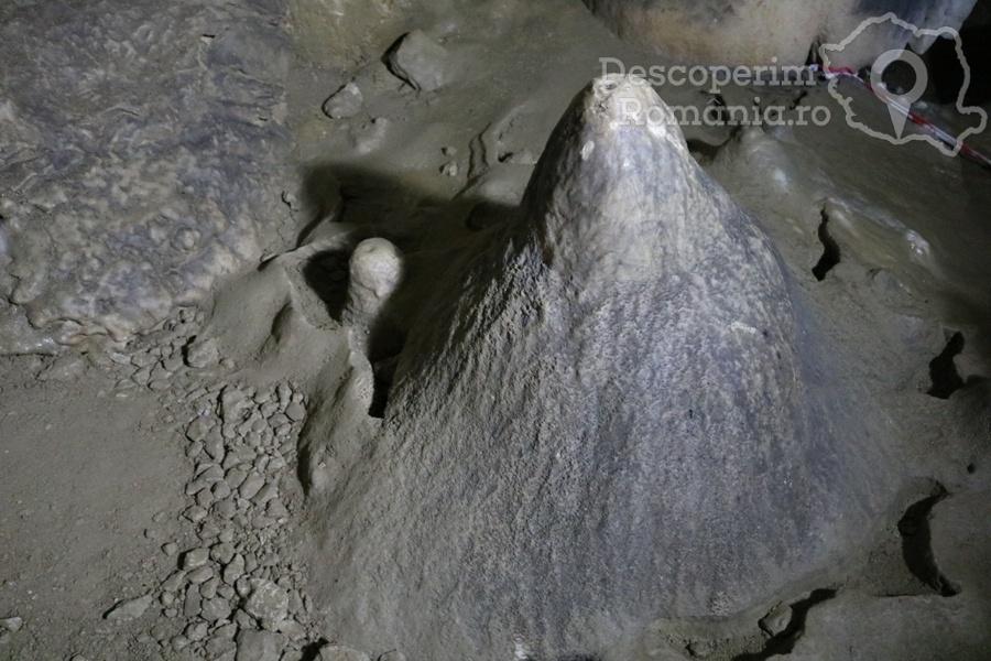 Cheile oltetului si Pestra Polovragi – miracol in inima muntilor- DescoperimRomania (34)