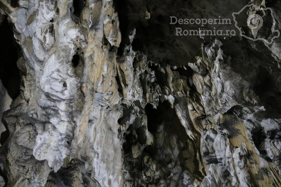 Cheile oltetului si Pestra Polovragi – miracol in inima muntilor- DescoperimRomania (46)