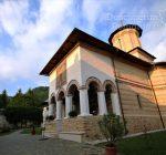 Manastirea Polovragi – Armonie in alb – DescoperimRomania (7)