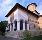 Manastirea Polovragi – Armonie in alb – DescoperimRomania (8)