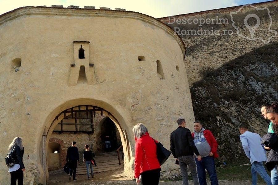 Cetatea Râșnov – Falnic supraveghtor al Râșnovului – DescoperimRomania (16)