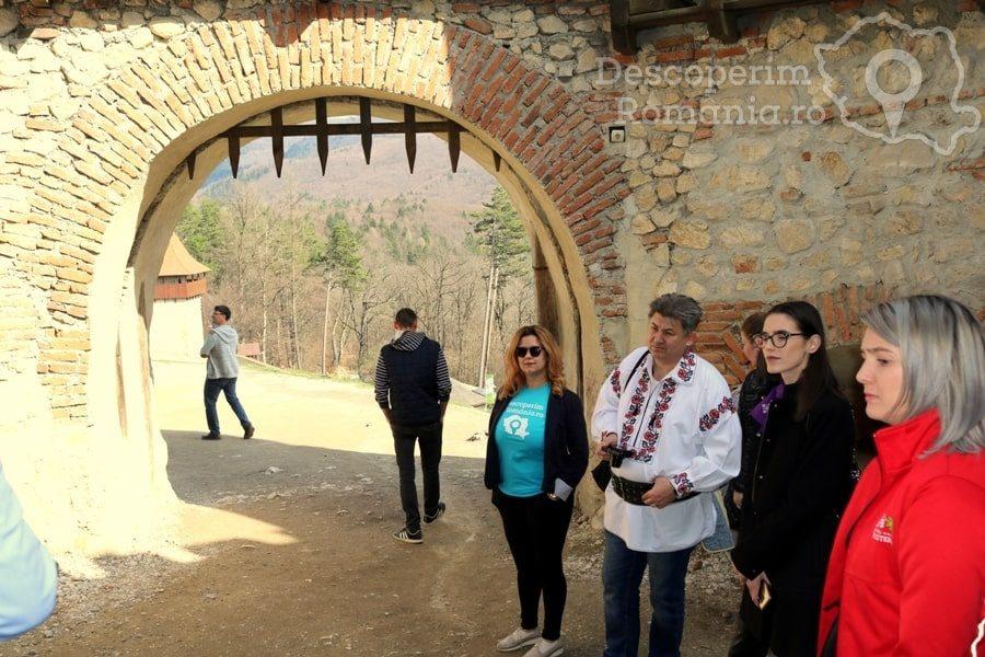 Cetatea Râșnov – Falnic supraveghtor al Râșnovului – DescoperimRomania (19)