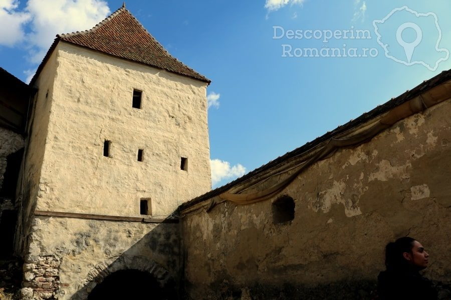 Cetatea Râșnov – Falnic supraveghtor al Râșnovului – DescoperimRomania (21)