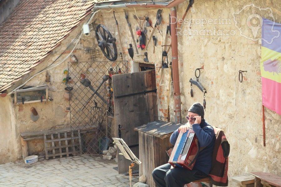 Cetatea Râșnov – Falnic supraveghtor al Râșnovului – DescoperimRomania (50)
