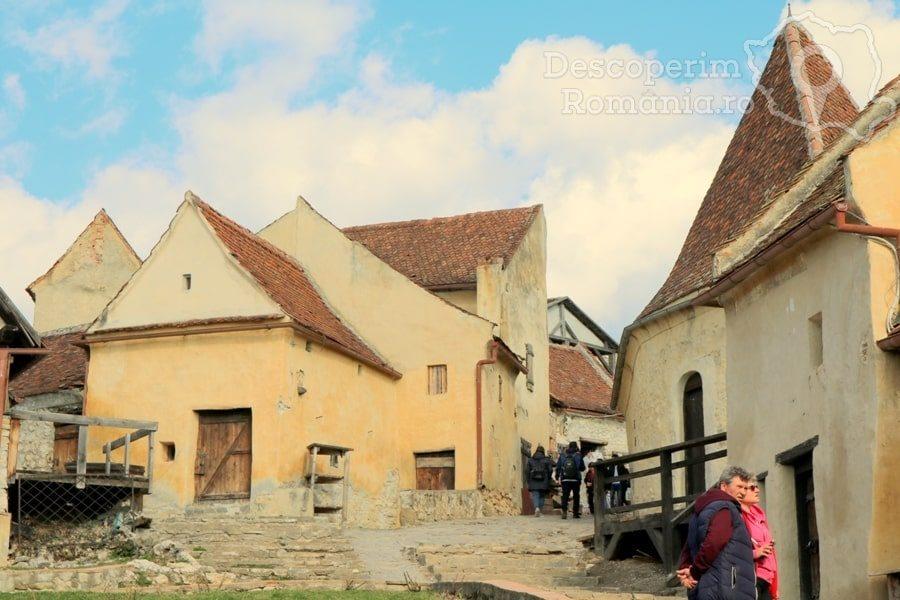 Cetatea Râșnov – Falnic supraveghtor al Râșnovului – DescoperimRomania (56)