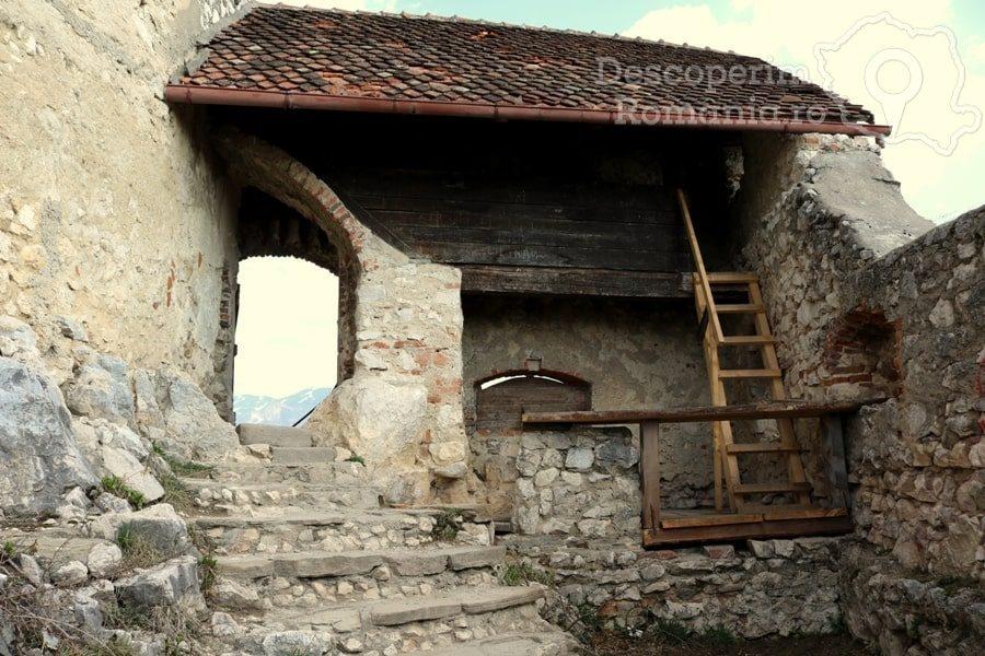 Cetatea Râșnov – Falnic supraveghtor al Râșnovului – DescoperimRomania (58)