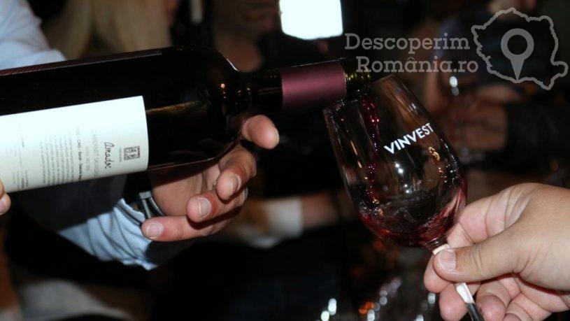 Degustare specială, într-un regal al vinurilor prezente la VINVEST 2019