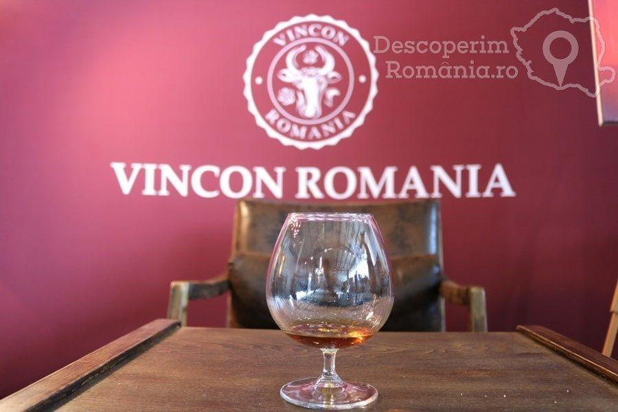 VINVEST Degustări speciale și vinuri produse la Muntele Athos – DescoperimRomania (25)