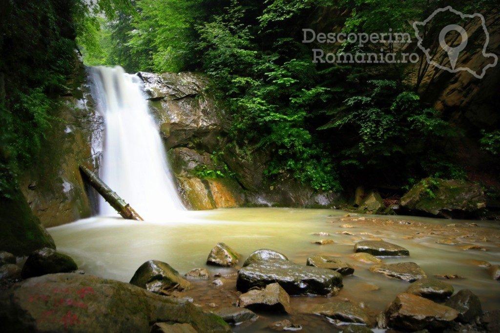 Cascada Cașoca – Pruncea